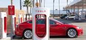Trh s elektromobily zažívá boom, ceny klesají, poptávka roste. Jak jsme na tom u nás?