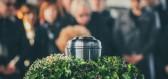 Lidský kompost jako nový trend v pohřebnictví
