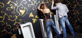 Pissing: Nechutná úchylka, nebo zpestření erotiky?