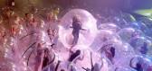 Koncert v době koronavirové: Kapela i diváci si ho užijí v obřích plastových koulích