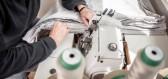 Vyšívací stroje zažívají obrovský boom. Jak probíhá strojové vyšívání?
