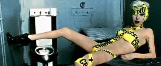 Lady Gaga se dá vysvětit na kněze!