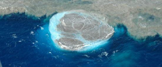 Na Kanárech vyrůstá z vln nový ostrov
