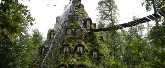 Magický hotel s vodopádem