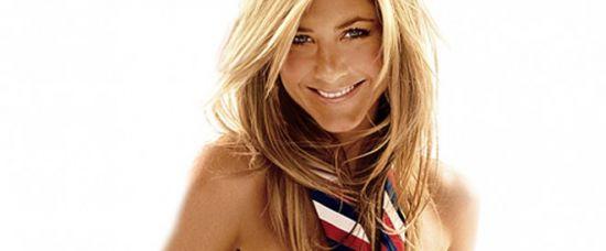 Jennifer Aniston nahá. Jen v kravatě!