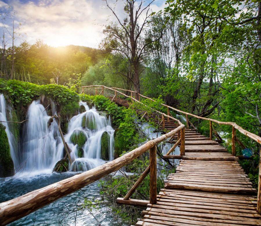 Chodník mezi Plitvickými jezery