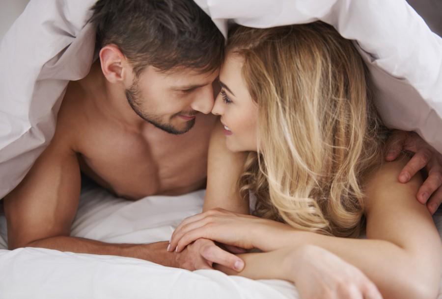 Šťastní partneři po ranním milování