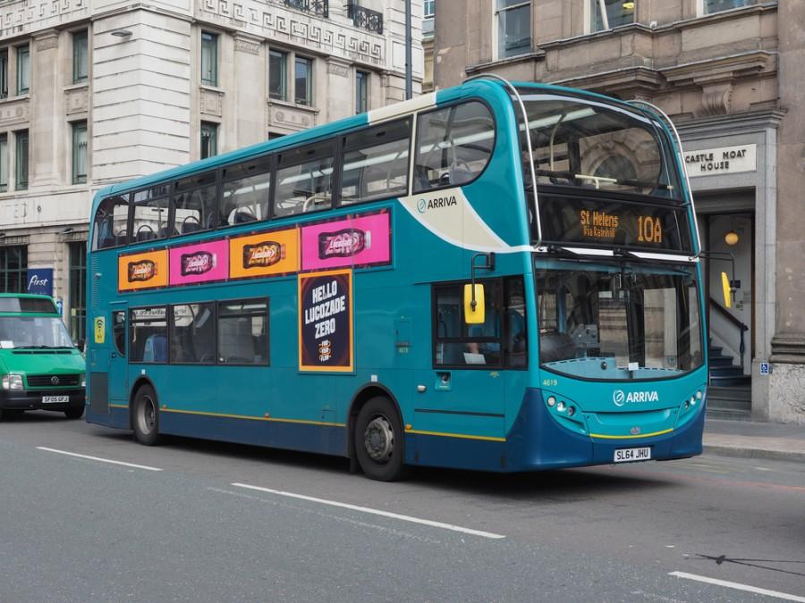 Autobus městské hromadné dopravy