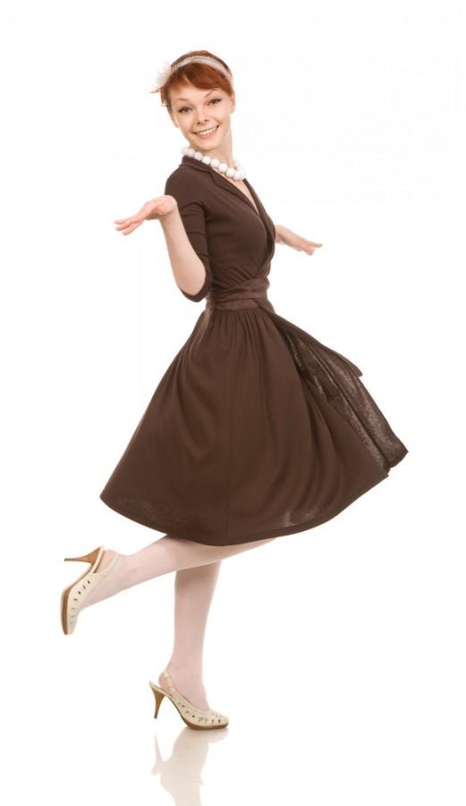 98ec7b23cd87 1 Swingové šaty. Užijete je nejen