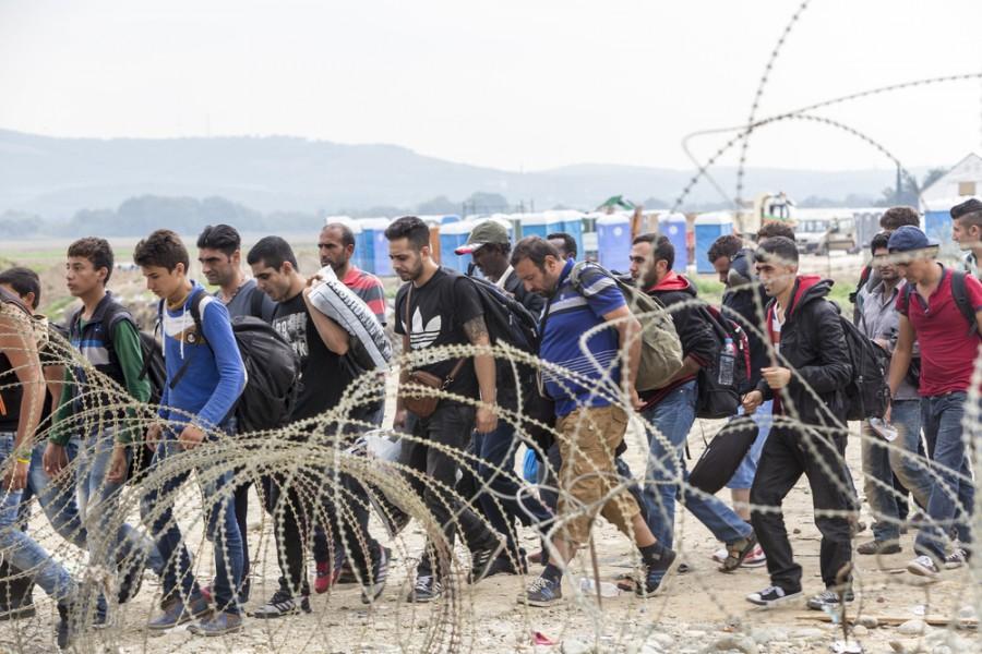 Vidíte mezi uprchlíky nějakou ženu?